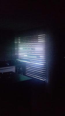 Holzwand beleuchtet