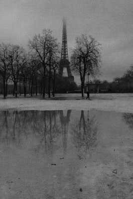 Kirsten: Ganz Paris in einer Pfütze