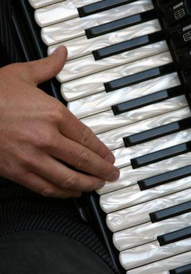 Peter: Harmonika