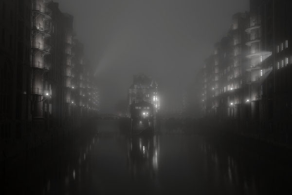 Peter: Foggy Hamburg