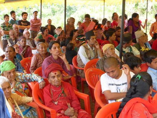 Eltern und Dorfgemeinschaft