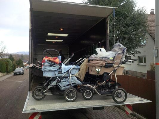 Kinderwagen auf dem Weg nach Oberursel