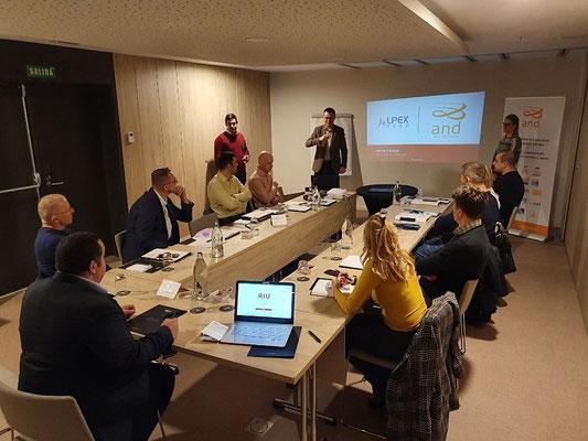 Reunión con clientes de Serbia en Madrid