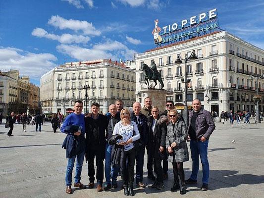 Distribuidor y clientes de Serbia en Madrid