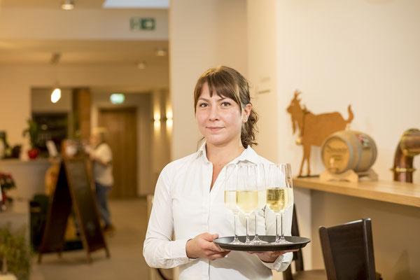 Kellnerin Business-Portrait, Fotograf: Tom Wenig