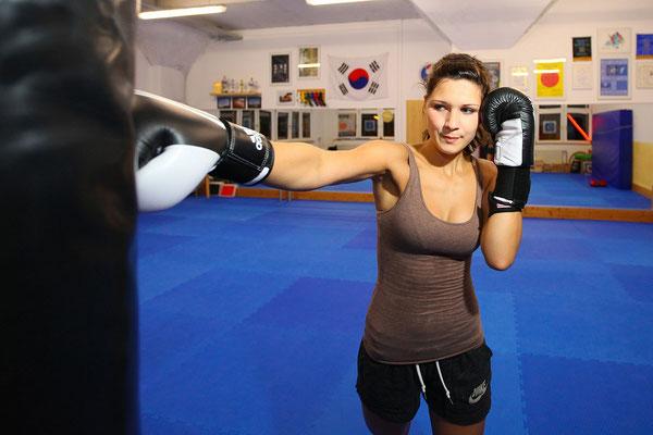Sportfotograf für Kampfsportlerin in Jena, Fotograf: Tom Wenig