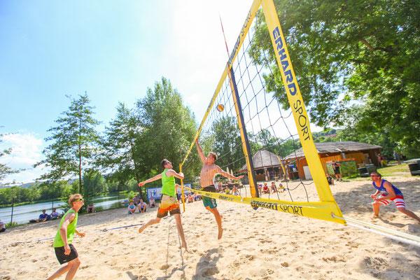Sportfotograf für Volleyballturnier, Sportler beim Volleyball in Jena, Fotograf: Tom Wenig