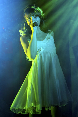 Sängerin auf Firmenevent in Gera, Fotograf: Tom Wenig
