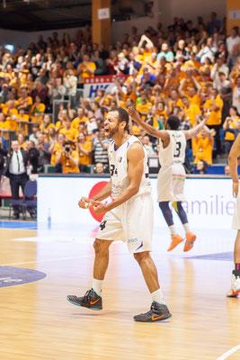 Sportfotograf beim Basketball, Foto zeigt Sportler von Science City Jena, Fotograf: Tom Wenig