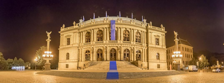 Theatergebäude in Prag, Fotograf: Tom Wenig