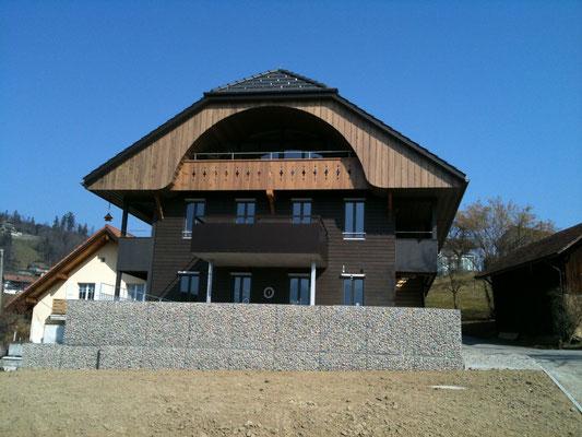 Aus diesem alten Bauernhaus entstand eine moderne Liegenschaft.