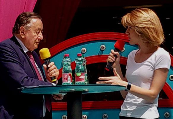 Claudia Gamon im Gespräch mit Richard Lugner (Europawahlkampf 2019)