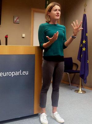 Claudia Gamon spricht vor Hochschülern (Centre International de Formation Européenne-CIFE) im Europäischen Parlament
