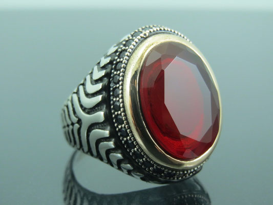 серебряное кольцо с рубином для мужчины
