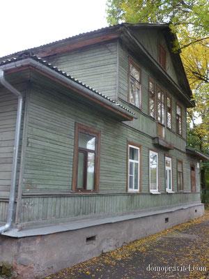 Дом по улице Горького 32 в Гатчине