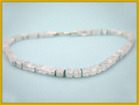 Bergkristall - Würfel mit Apatit und Silber-Schließe €80,-