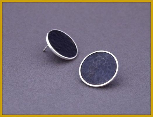 Ohrstecker aus schwarzem Eisen und Silber €125,-