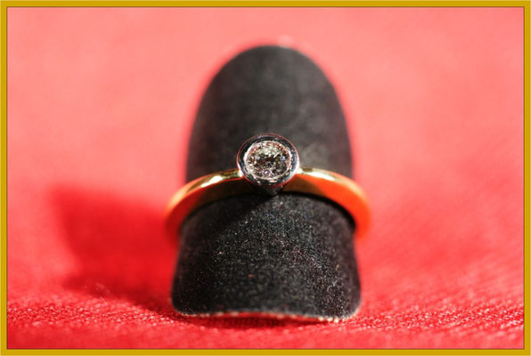 Bicolor-Ring mit Brillant