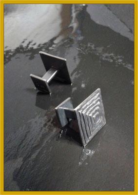 Manschettenknöpfe aus Silber Pyramidenform €220,-