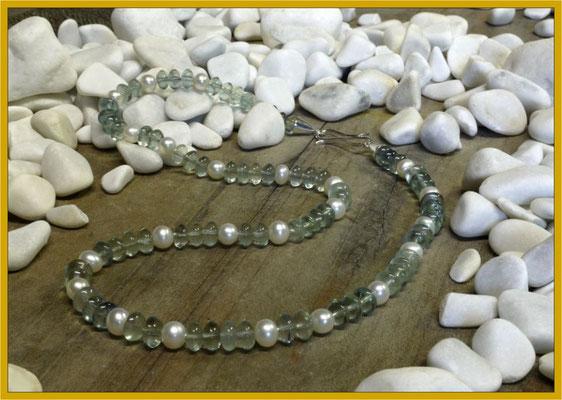 Kette aus Fluorit-Linsen und Perlen mit Silberverschluß €80,-