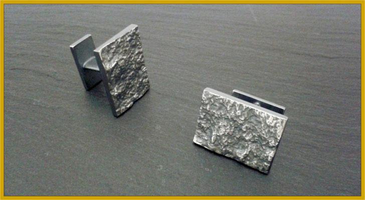 Manschettenknöpfe aus Silber mit strukturierter Oberfläche €220,-