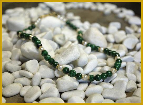 Malachit-Kette mit Perlen und Gelbgold €395,-