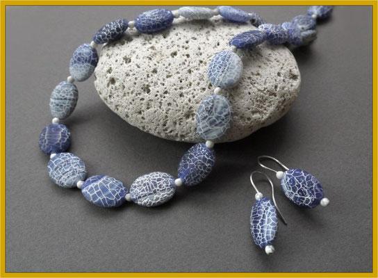 Collier aus Blauachat und Magnesit