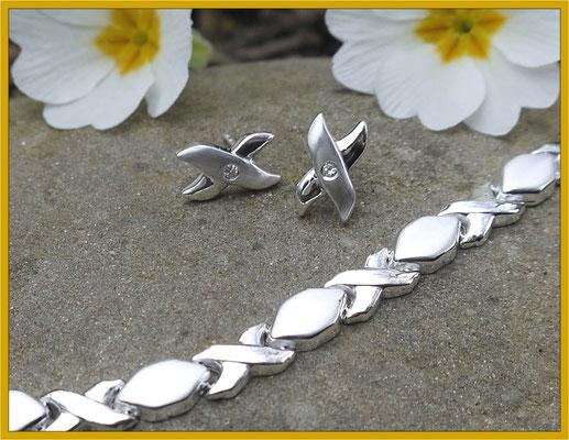 Silberne Ohrstecker passend zur Kundenkette gefertigt