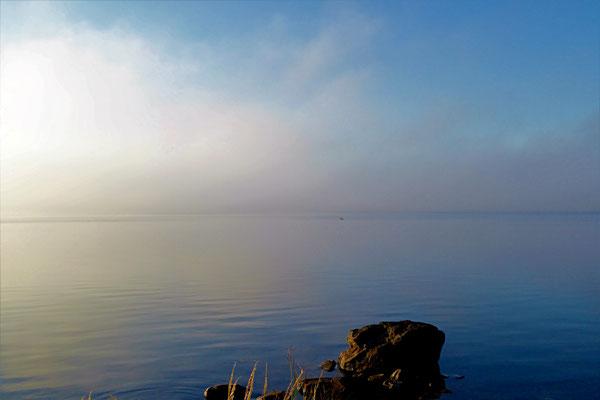 Die morgendliche Sonne vertreibt die Nebel schnell.