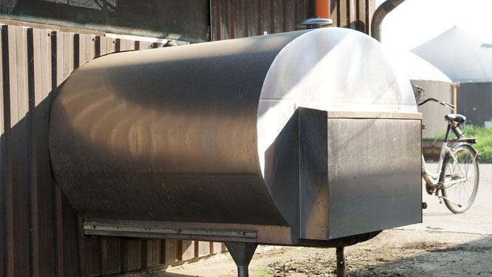 Auffangtank, Wasserrecycling aus der Milchkühlung - Hof Schmidt Geel