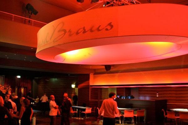 Oval-Lampe. Partylabel Saus und Braus, Kaufleuten Zürich 2007