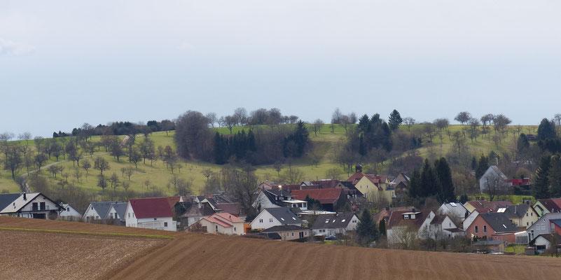 Dürrenbüchig mit Lugenberg von Osten