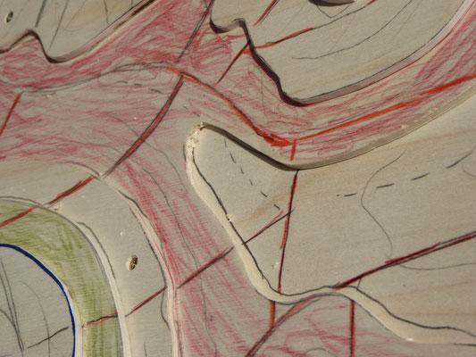 Das Geländeprofil nach dem Modellieren mit Sperrholz