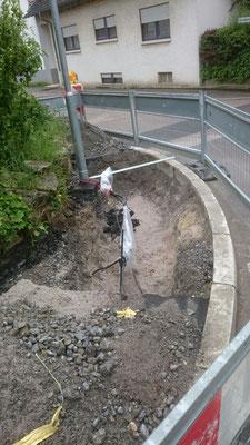 Fehlersuche ! Diese Stelle musste drei (3) Mal ausgegraben werden