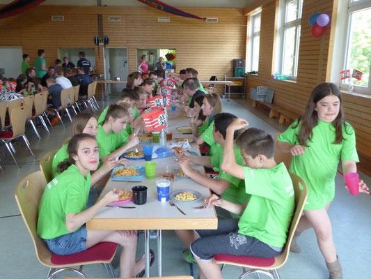 Essen im Dorfgemeinschaftshaus