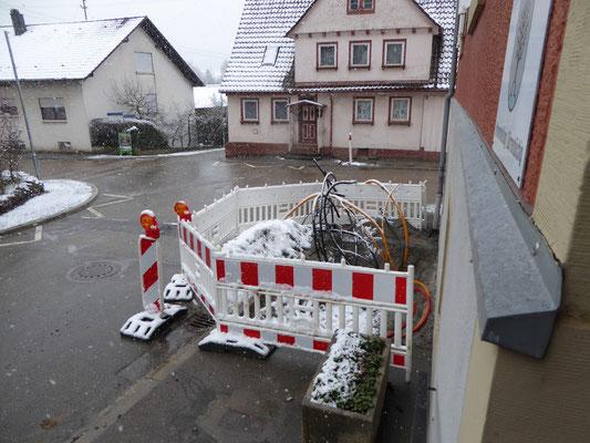 Kabelsalat vor der Ortsverwaltung 22/02/2016