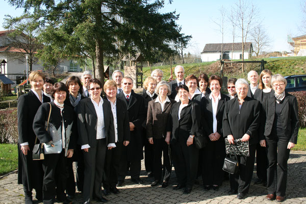 Ostern 2010 mit Unterstützung des Kirchenchores Wössingen : Leitung: Mareike Peissner