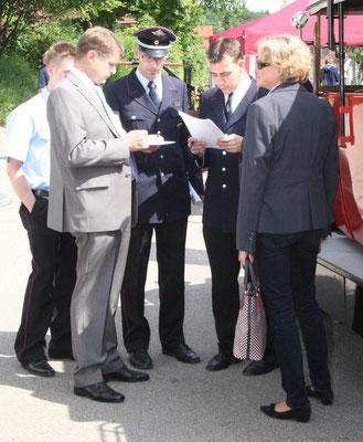 Vorbesprechung: OB Wolff, Stadtbrandmeister Panier, Abteilungskommandant Bimmler