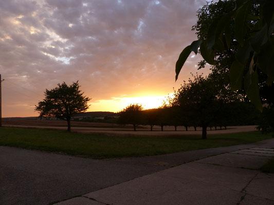 Sonnenuntergang hinter dem Schlohberg - Juli 2017
