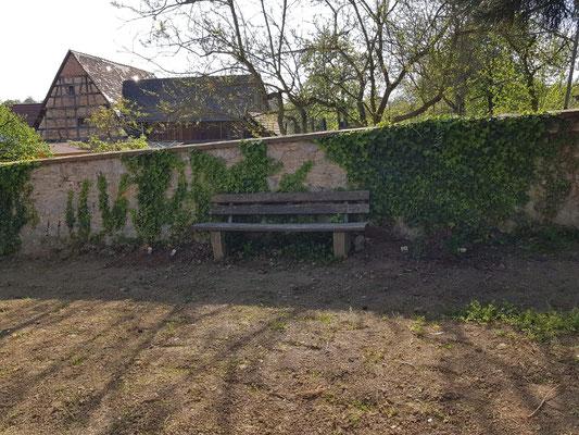 Die alte Parkbank in neuer Frische