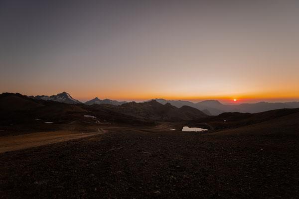 Couché de soleil depuis le pied du Glacier, 2980m, les deux alpes aout 2021.