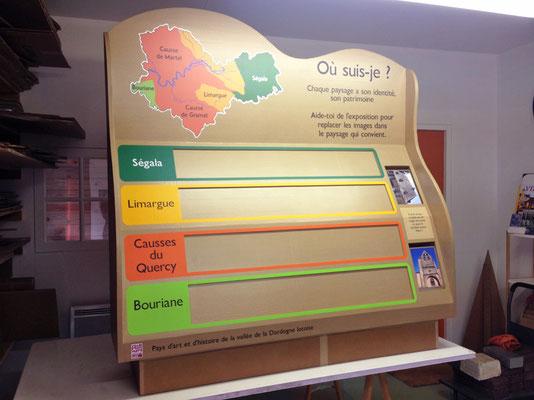 """Grand jeu en carton pour expo Carennac (Cf. """"Sur mesure"""")"""