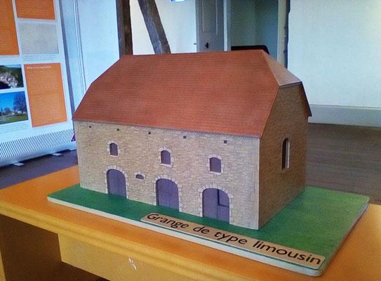 "Maquette de grange en carton pour expo Carennac (Cf. ""Sur mesure"")"