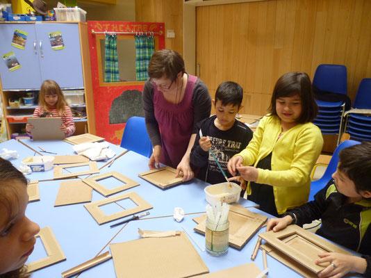 """Atelier """"cadres en carton"""" à la Maison de l'Enfance"""