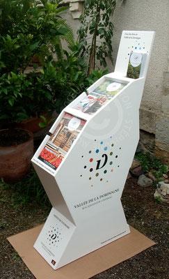 """Présentoirs en carton pour brochures touristiques (Cf. """"Sur mesure"""")"""