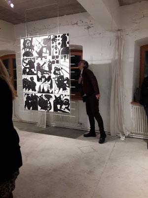 Christines Steiner Mäzionäre s/w Ausstellung Ebersberg Eröffnung