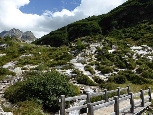 Chiestafel, Beginn des Wanderwegs zur Hütte