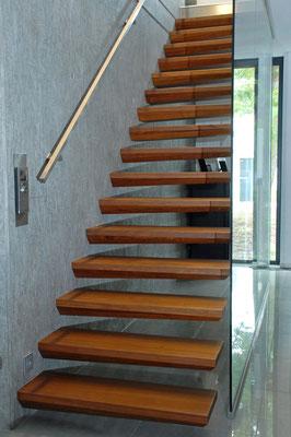 Bucher Treppen - Treppenmodell Ego - schlicht und sachlich