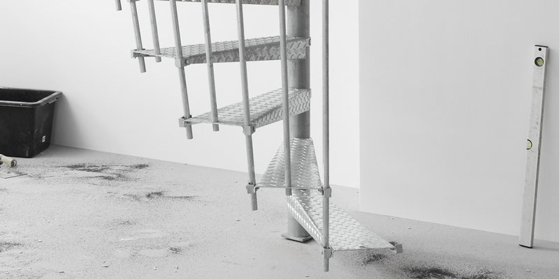 Bucher Treppen - Bautreppe aus Metall Detail unten