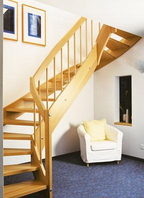 Bucher Treppen - Wangentreppen - um die Ecke